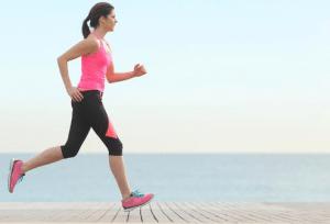 Manakah Yang lebih Banyak Bakar Kalori, Senam atau lari?