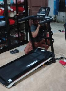 Alat Fitnes Treadmill Elektrik 3 Fungsi TL607